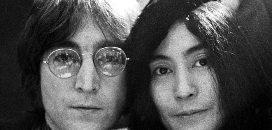 Mandatory Credit: Photo by REX/Shutterstock (35331d) JOHN LENNON AND YOKO ONO JOHN LENNON AND YOKO ONO - 1971