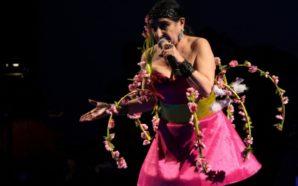 Astrid Hadad inunda el Teatro de la Ciudad con su…