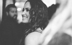 Con candente traje de baño, sorprende Demi Lovato en redes