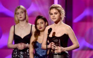 Selena Gomez rompe en llanto al ser nombrada 'Mujer del…