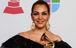 Triunfan latinos en los Grammy