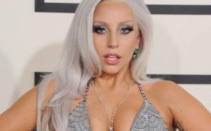 Muestra Lady Gaga sexy figura en diminuto bikini
