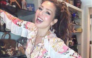 Arrasa Thalía en Instagram con fotografía al natural