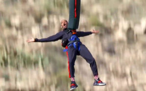 Así festejó Will Smith sus 50 años; ¡saltó desde un…
